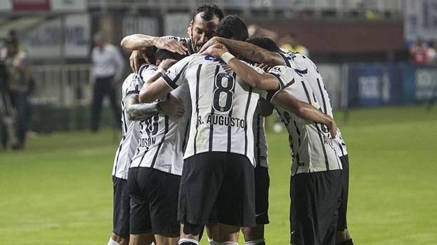 Escalação: Coritiba x Corinthians, pelo Brasileirão