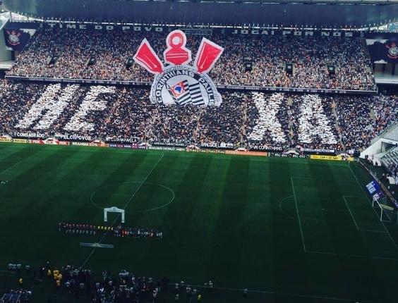 Corinthians promete pagar prêmio por título brasileiro no retorno aos  treinos 47b0608022c0f