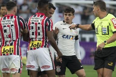 Fagner - Corinthians 1 x 1 São Paulo