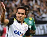 Jadson topa contrato de dois anos e fecha volta para o Corinthians
