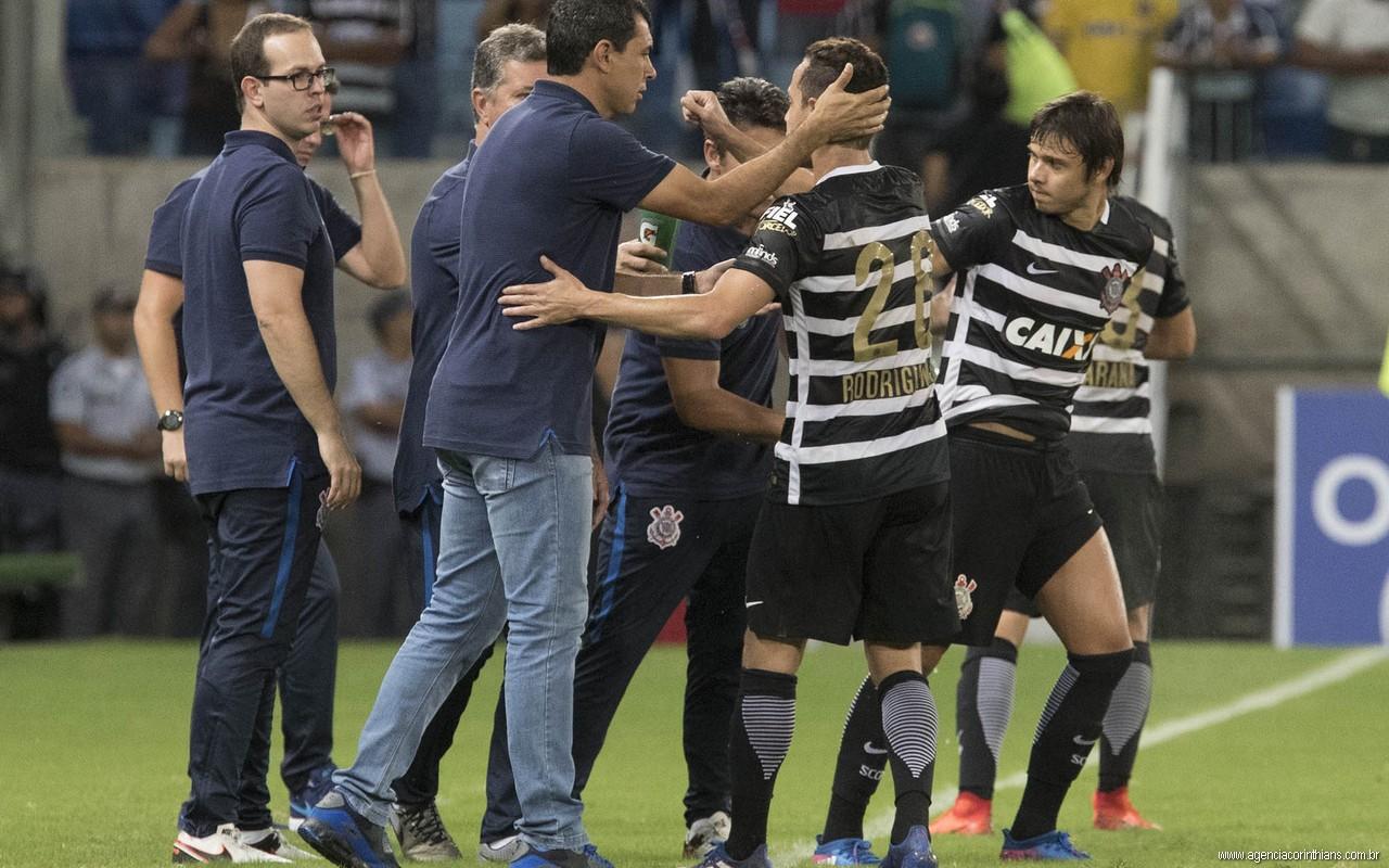 Fabio Carille - Jogadores - Gol do Corinthians