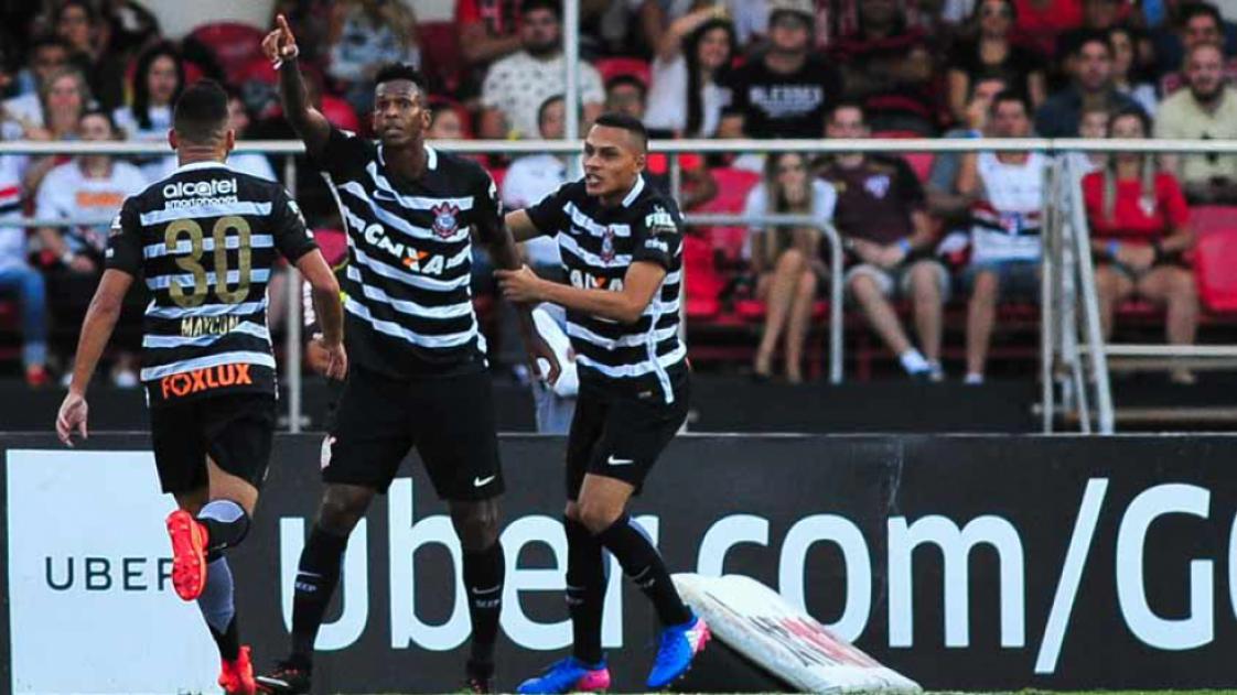 Jô - Gol - São Paulo 1 x 1 Corinthians