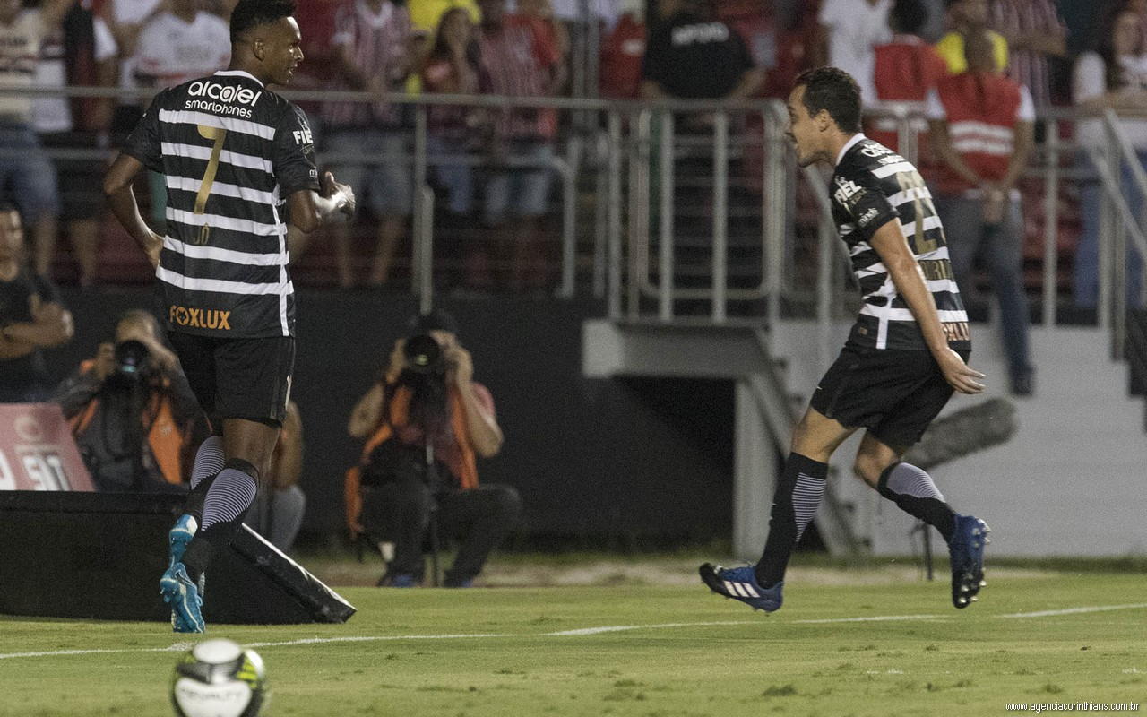 Jô - Rodriguinho - São Paulo 0 x 2 Corinthians