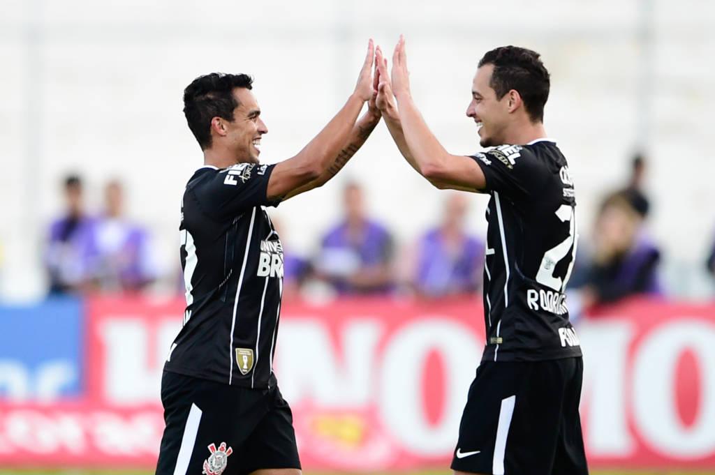 Jadson - Rodriguinho - Ponte Preta 0 x 3 Corinthians