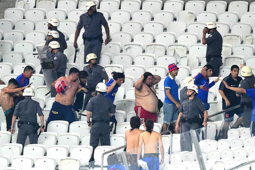 Torcedores La U - Arena Corinthians