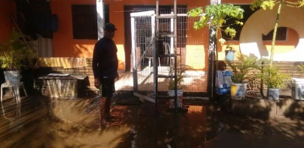 Ex-goleiro do Corinthians, César teve casa alagada por conta das enchentes
