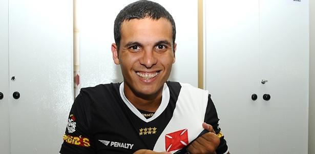 Lateral esquerdo Ramon atuou no Vasco de 2009 até 2011 e pode retornar neste ano