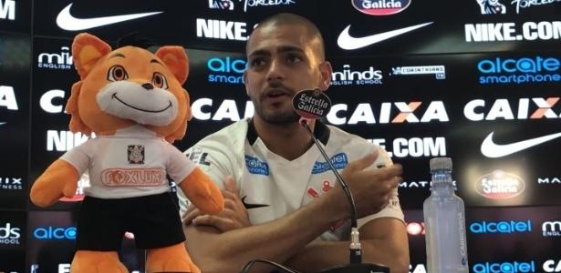 Clayton assinou com o Corinthians no final de março