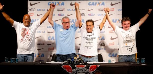 Jorge Kalil, à direita de Roberto de Andrade, contornou paz com presidente