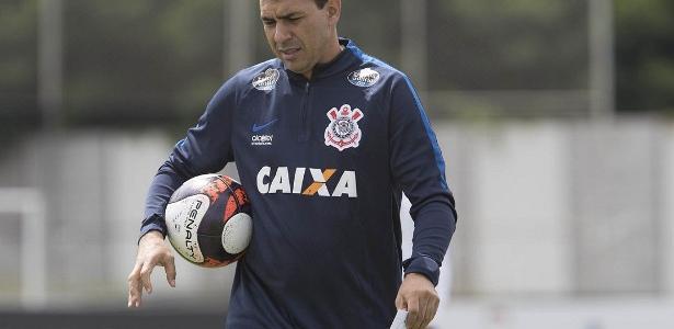 Carille tem desfalques para montar o Corinthians nesta semana, com lesões e seleção