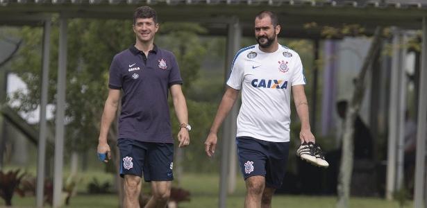 Danilo voltou aos treinos com bola no Corinthians em abril