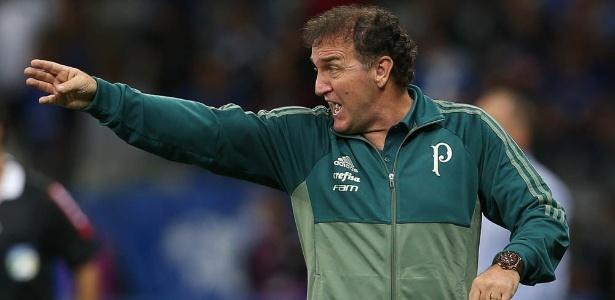 Cuca esconde time que escalará para enfrentar o Corinthians