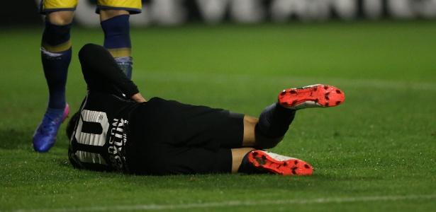 Jadson saiu lesionado no primeiro tempo de Avaí x Corinthians