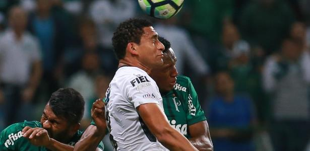 Pablo sentiu dores na coxa durante o clássico com o Palmeiras