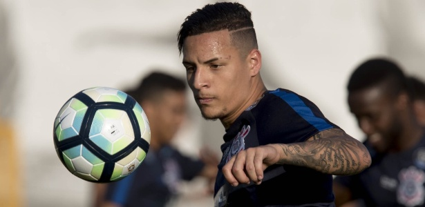 Arana soma nove assistências em 2017 e está à frente de Jadson e Rodriguinho