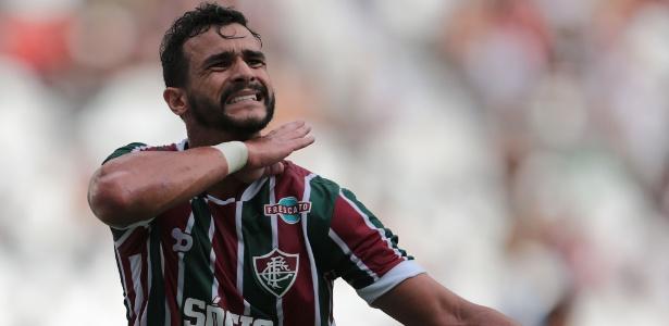 Artilheiro do Brasileiro, Henrique Dourado está relacionado após desfalcar por três jogos