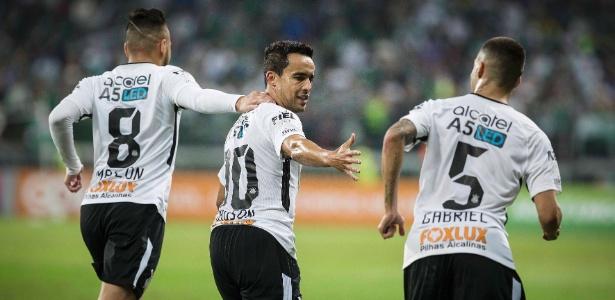 Corinthians soma 47 pontos no Campeonato Brasileiro, oito a mais que o Grêmio