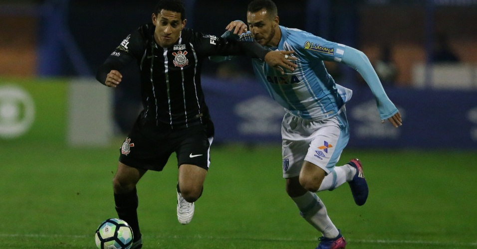 Corinthians e árbitro são punidos pelo STJD por erro em jogo contra o Avaí