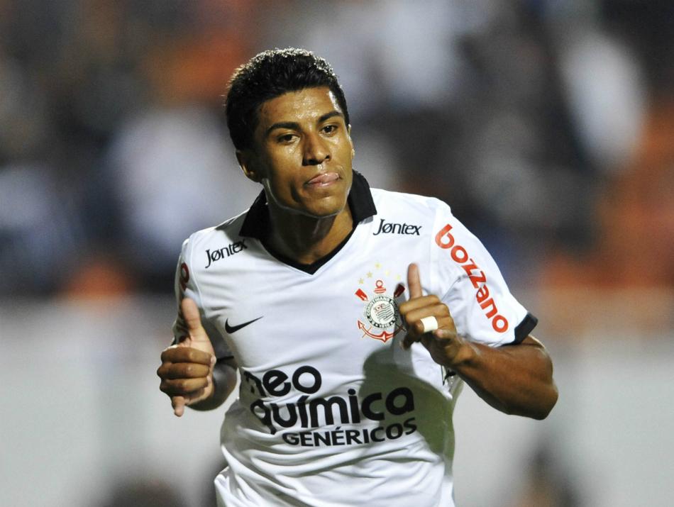 Corinthians receberá quantia milionária com ida de Paulinho para o Barcelona; veja os valores