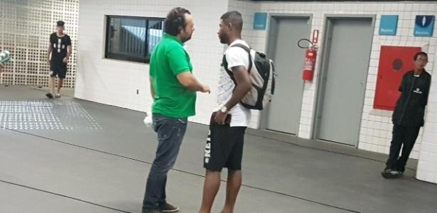 Mattos e Emerson Santos conversam na zona mista do Engenhão