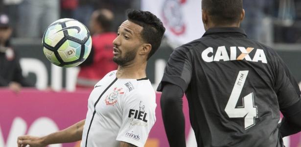 Clayson deve retornar à equipe do Corinthians diante do Atlético-GO