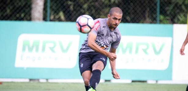 Ele está de volta! Clayton volta ao Atlético-MG a pedido de Rogério Micale