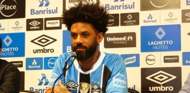 Volante emprestado pelo Corinthians usará camisa 66 no Grêmio