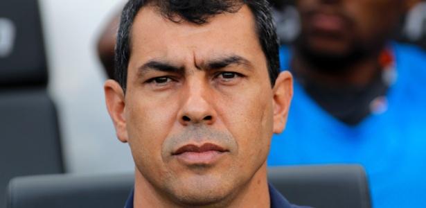 O técnico Fábio Carille tem evitado análises individuais sobre jogadores