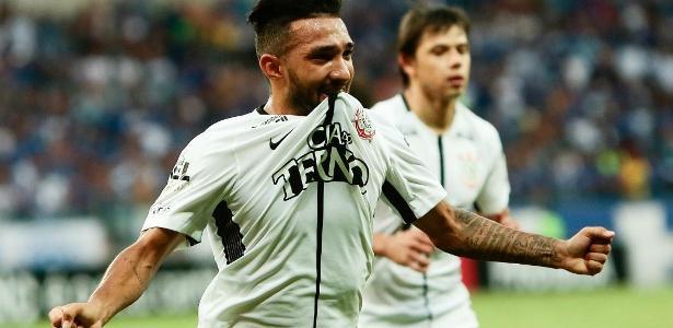 Clayson pode ganhar uma chance no time titular do Corinthians