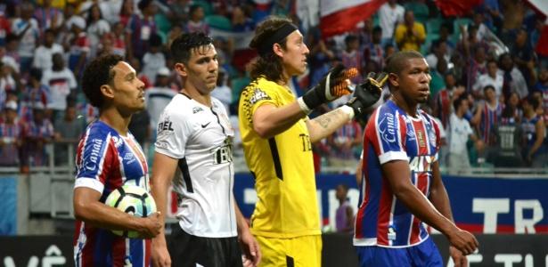 O Corinthians espera renovar com o goleiro Cássio