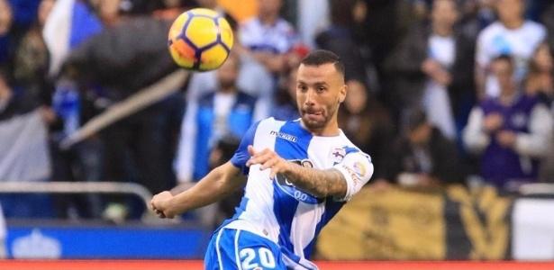 Guilherme em ação pelo La Coruña no Campeonato Espanhol