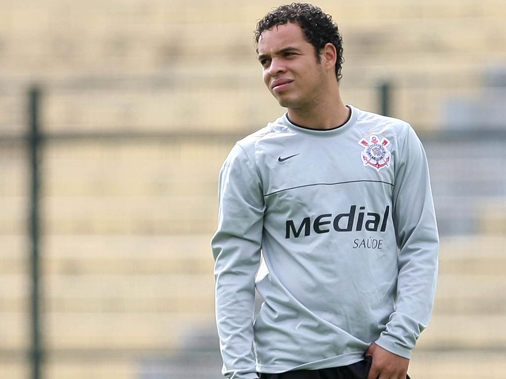Na melhor fase da carreira, Lulinha conta quando recusou o Chelsea para seguir no Corinthians