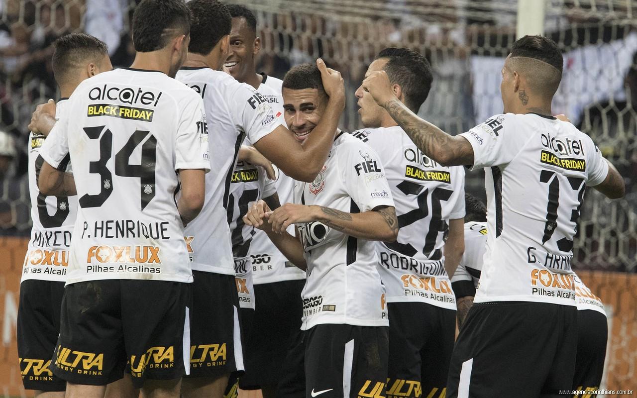 Escalação - Flamengo x Corinthians