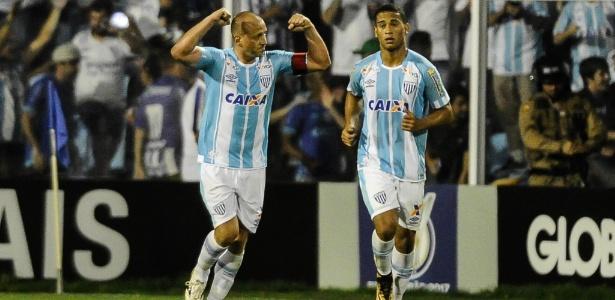 Marquinhos comemora gol sobre o Palmeiras