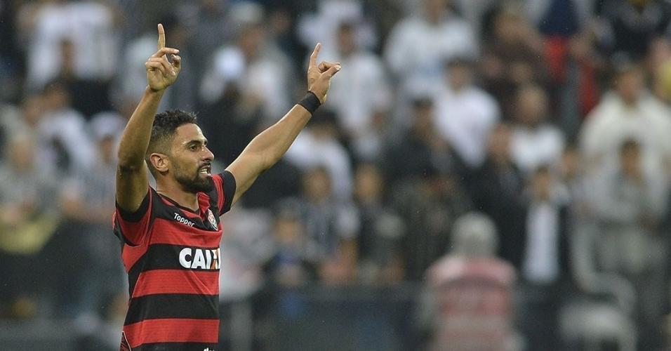 Perto de anunciar primeiros reforços, Corinthians se volta a Tréllez