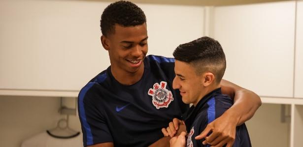 Carlinhos e Guilherme Mantuan, dois dos mais jovens no elenco do Corinthians