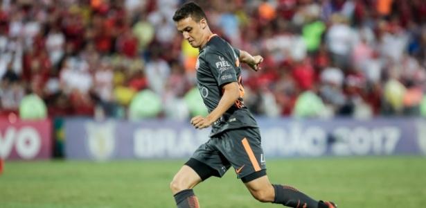 Rodrigo Figueiredo assume vaga no meio-campo; Rodriguinho nem foi ao Recife