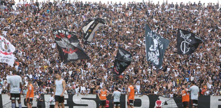 Torcida - Treino Arena Corinthians
