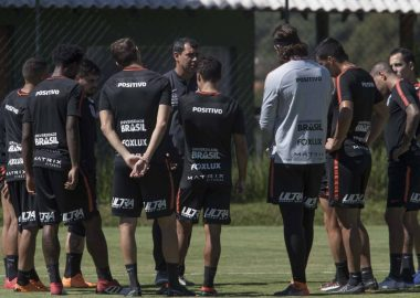 Paraná x Corinthians - Fábio Carille e Jogadores