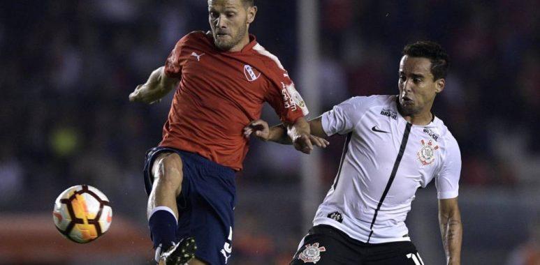 Jadson - Independiente 0 x 1 Corinthians