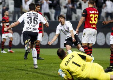 Danilo Avelar - Corinthians 2 x 1 Sport