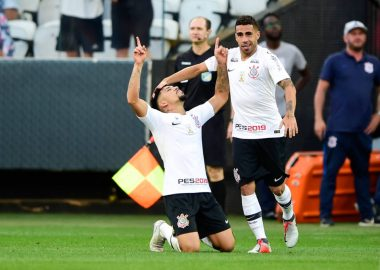 Douglas - Gol - Corinthians x Internacional