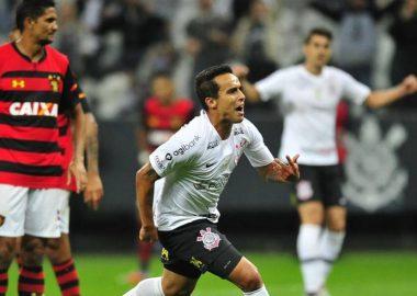 Jadson - Corinthians 2 x 1 Sport