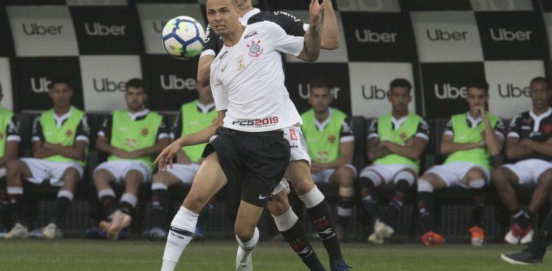 Thiaguinho - Jogo do Corinthians