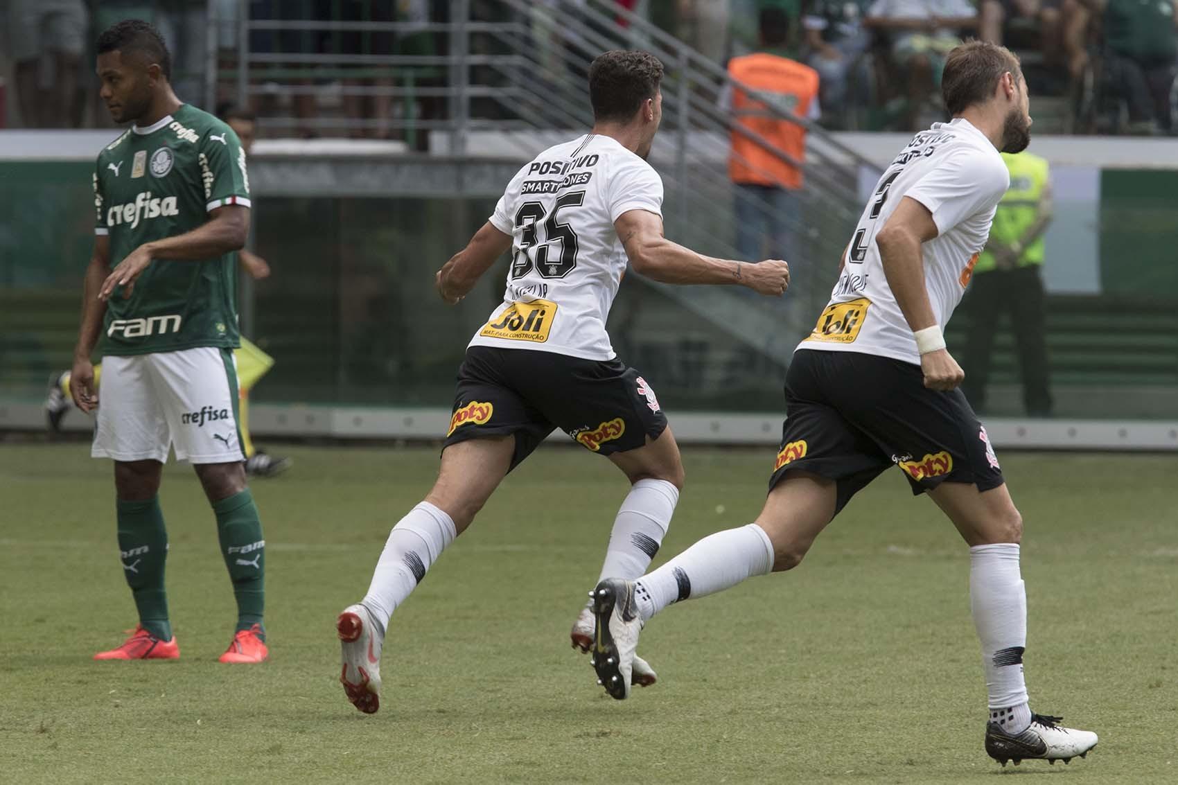 Danilo Avelar - Gol - Palmeiras 0 x 1 Corinthians