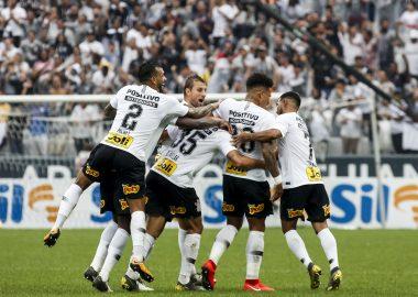 Avelar - Gol do Corinthians