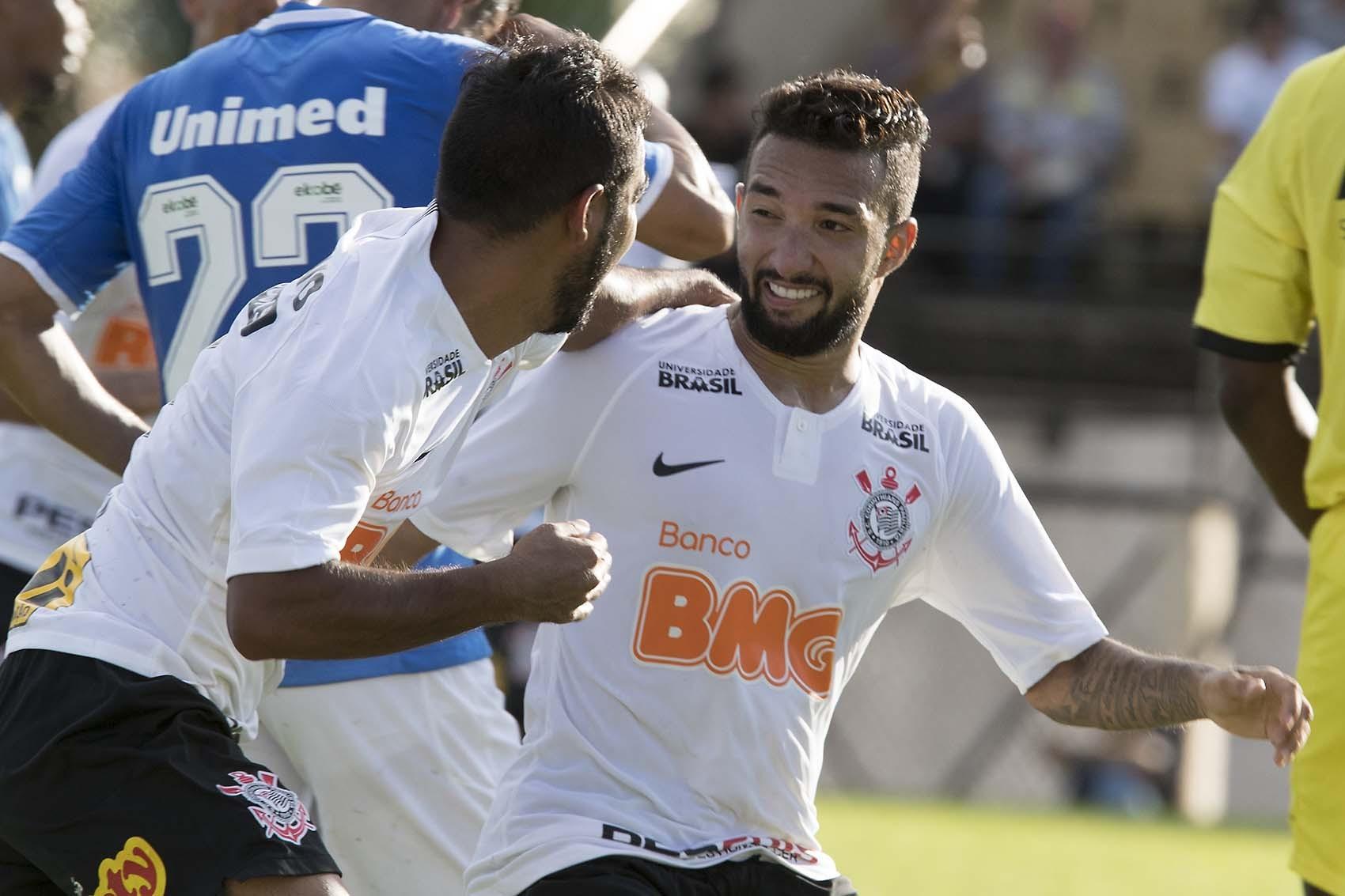 Clayson - Sornoza - Gol do Corinthians