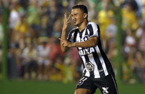 Defensa x Botafogo Erik