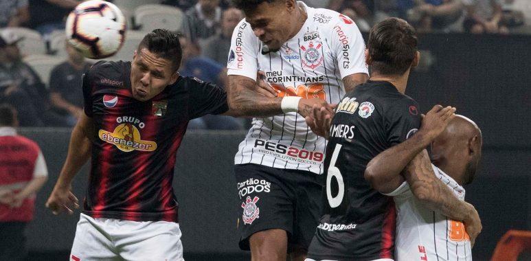 Junior Urso - Corinthians x Deportivo Lara