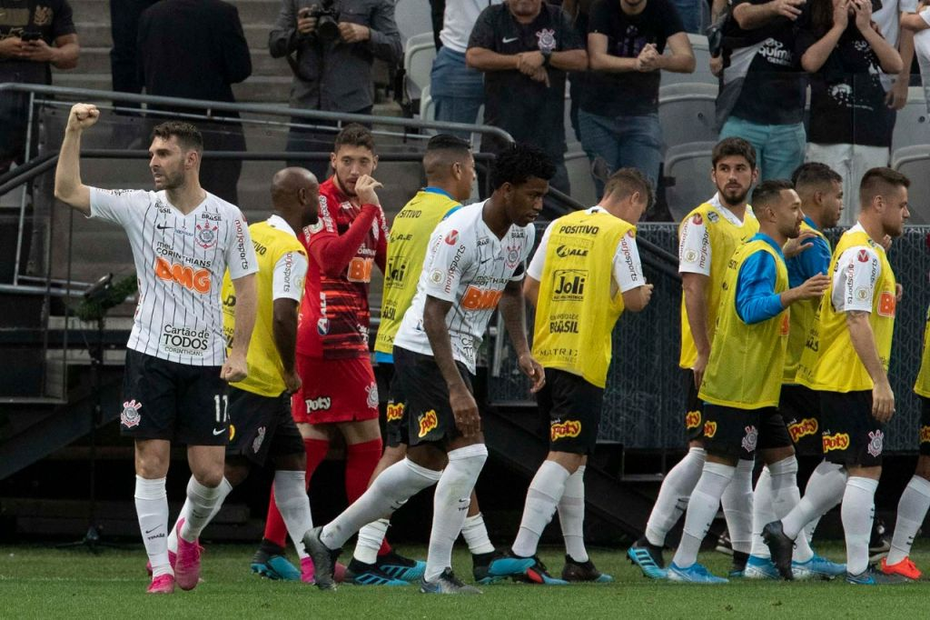 Jogadores comemora gol de Boselli